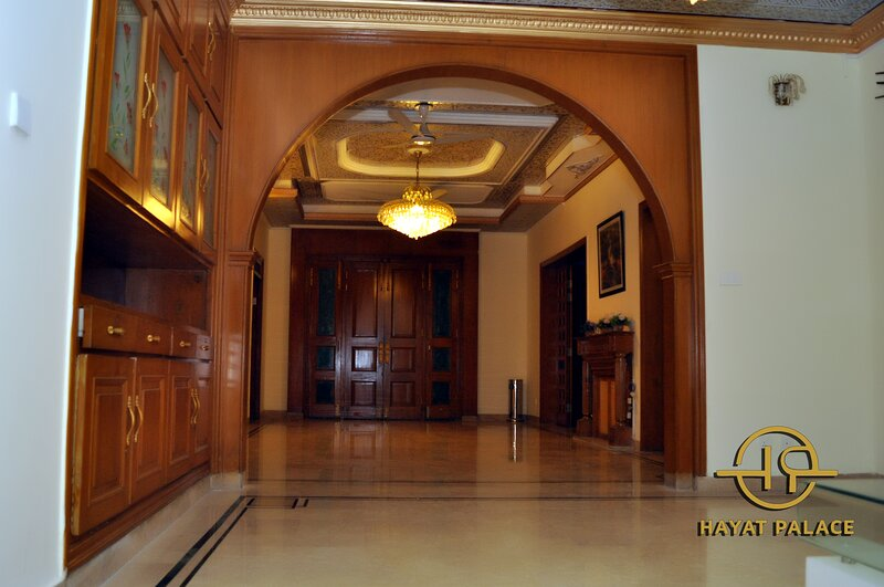 Hayat Palace Guest House, vacation rental in Islamabad Capital Territory