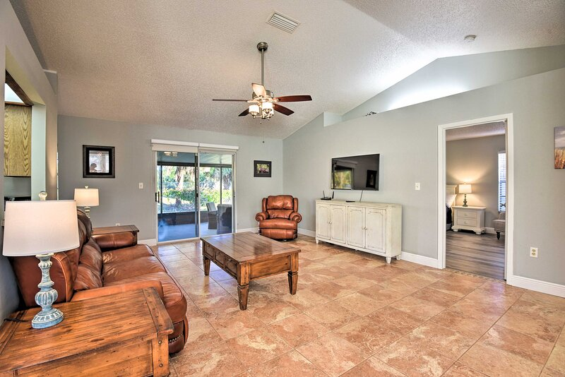 NEW! Private Palm Bay Retreat w/ Screened Porch!, vacation rental in West Melbourne
