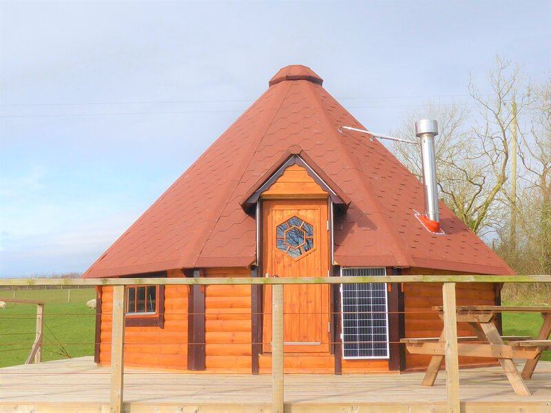 Oak Tree Lane (Exmoor Lodge), vacation rental in Virginstow