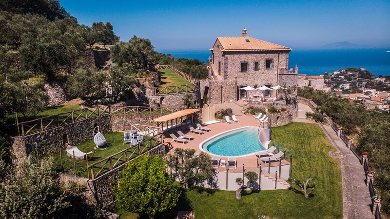 Villa Le Rondini, holiday rental in Schiazzano