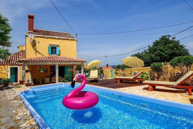 Villa Mare, on the Island of Lošinj, with a Pool, holiday rental in Veli Lošinj