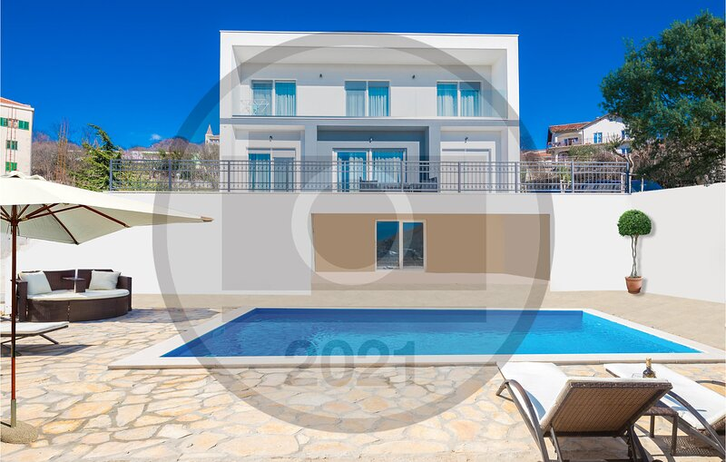 Beautiful home in Imotski with Outdoor swimming pool, WiFi and 4 Bedrooms (CDC61, holiday rental in Velim