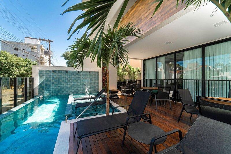 Aluguel Apartamento 2 Quartos com Piscina, holiday rental in Bombinhas