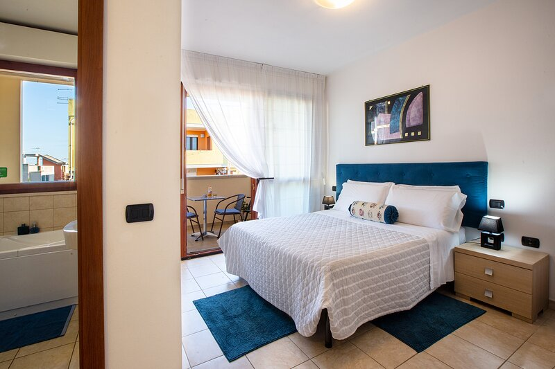 Bluette room, just a few minutes from Airport!, vacation rental in Dolianova