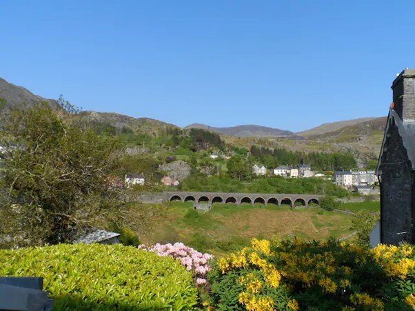 EXPLORE SNOWDONIA~The Perfect Staycation~Cosy, Fireside Cottage~sleeps 6, Ferienwohnung in Blaenau Ffestiniog