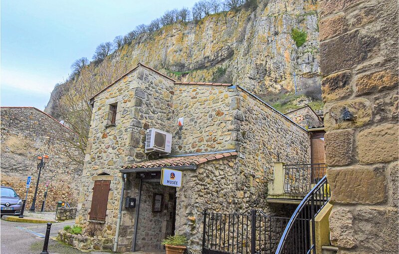 Amazing home in Soyons with WiFi and 1 Bedrooms (FRA176), holiday rental in Saint-Romain-de-Lerps