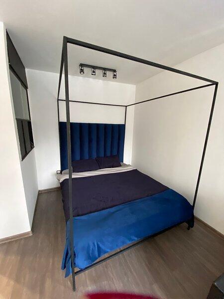 Уютная квартира в стиле лофт, location de vacances à Krasnogvardeysky District