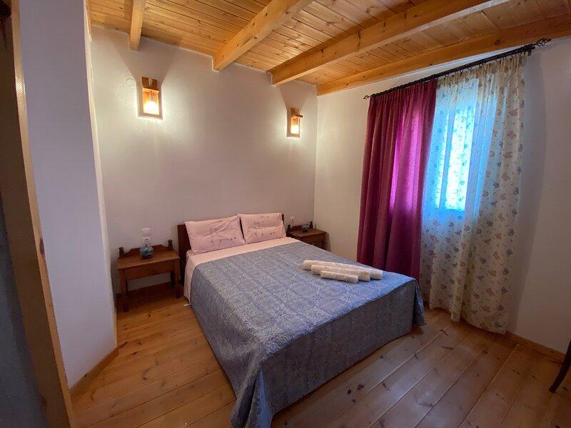 Julia's holiday house, holiday rental in Kalamaki