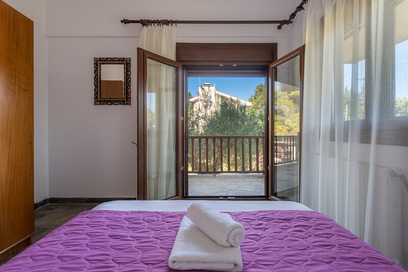 Blooming Memories A3, holiday rental in Vourvourou
