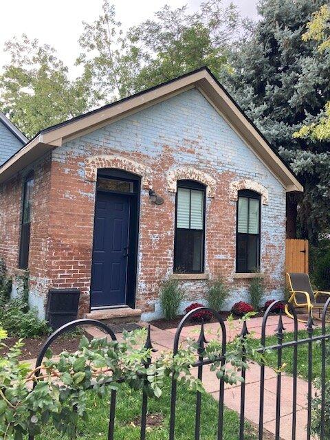 Adorable Five Points Cottage, Denver, holiday rental in Commerce City