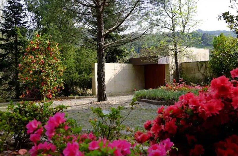 Impeccable 6 Bed House in Santa Cruz do Douro, holiday rental in Massora