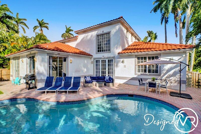 BEAUTIFUL HOLLYWOOD BEACH 5B/R home w/ POOL �� ����������, vacation rental in Hallandale Beach