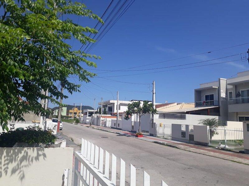 Casa localizada 20 minutos do centro de Florianópolis, ilha com + de 42 praias, location de vacances à Sul Brasil