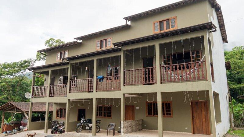 Casa Temporada com cachoeira, aluguéis de temporada em Cunha