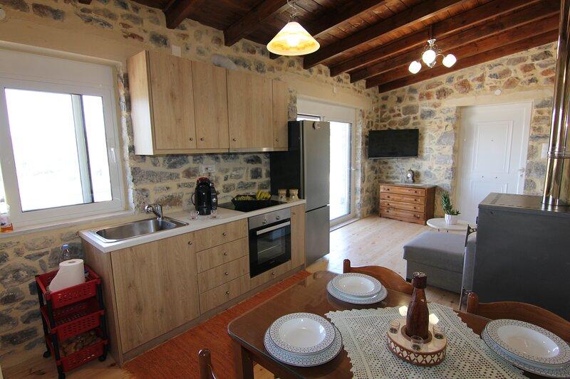 Malia Stone Residence - Secluded Cozy Retreat, Ferienwohnung in Plati