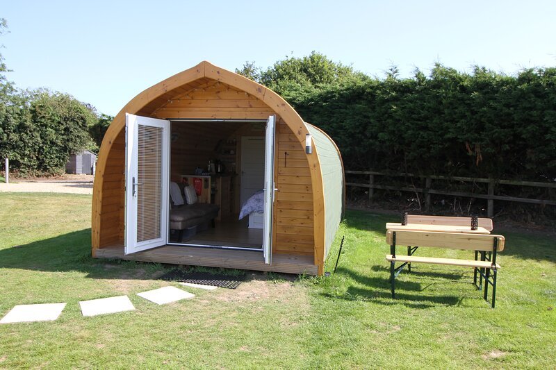 Foxes Den, Luxury Self-Contained Glamping Pod in Picturesque Happisburgh, location de vacances à Lessingham