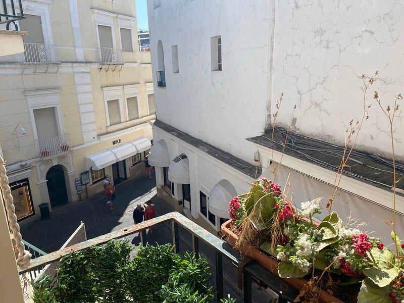 Regina di Capri - la casa in piazzetta - – semesterbostad i Capri