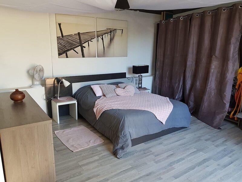 Beautiful house with garden & Wifi, location de vacances à Le Ouaki