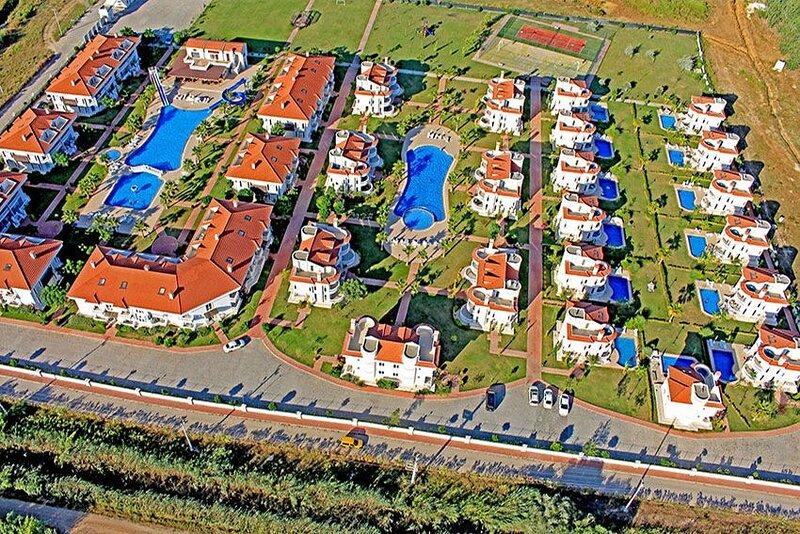 BlueHomes 4 Bedrooms (D4), vacation rental in Kadriye