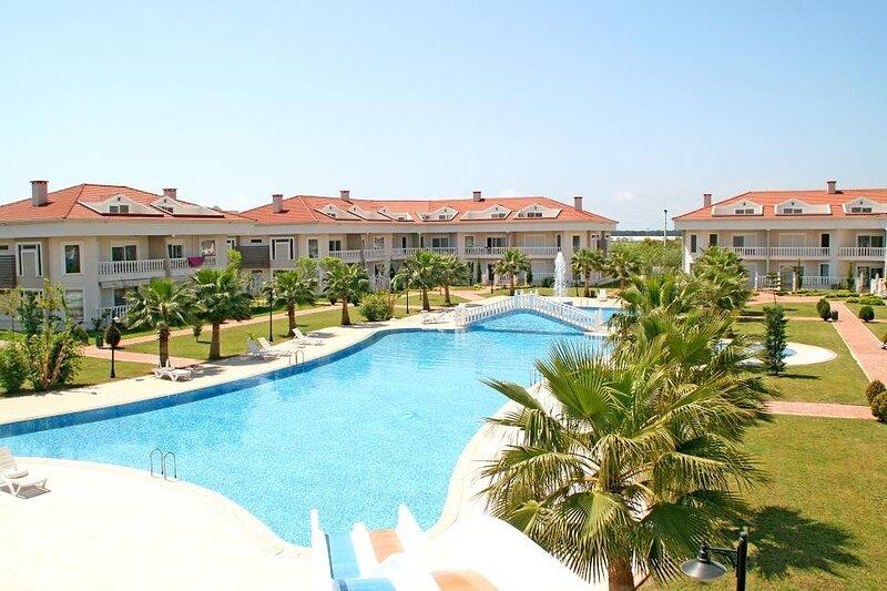 BlueHomes 2 Bedrooms (F1), vacation rental in Kadriye