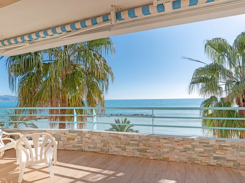 New Beach, holiday rental in Roquebrune-Cap-Martin