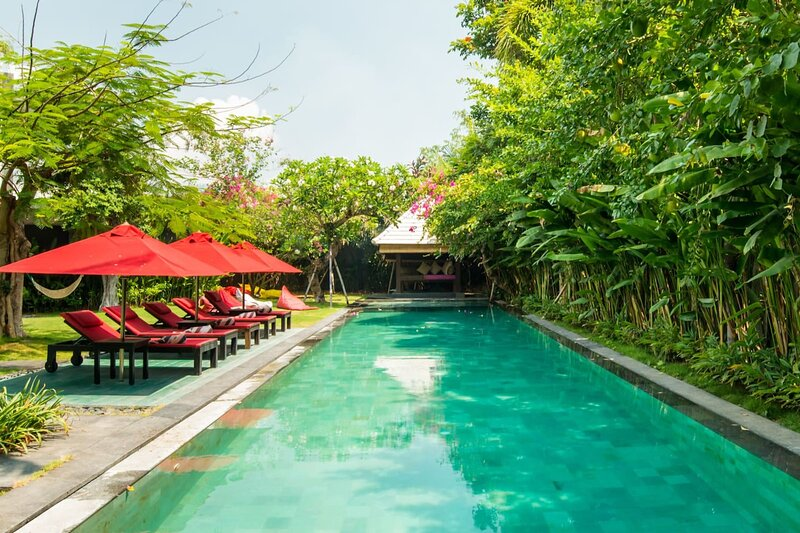 Family Friendly Private Villa, 5 BR, Canggu w/ staff, vakantiewoning in Pererenan