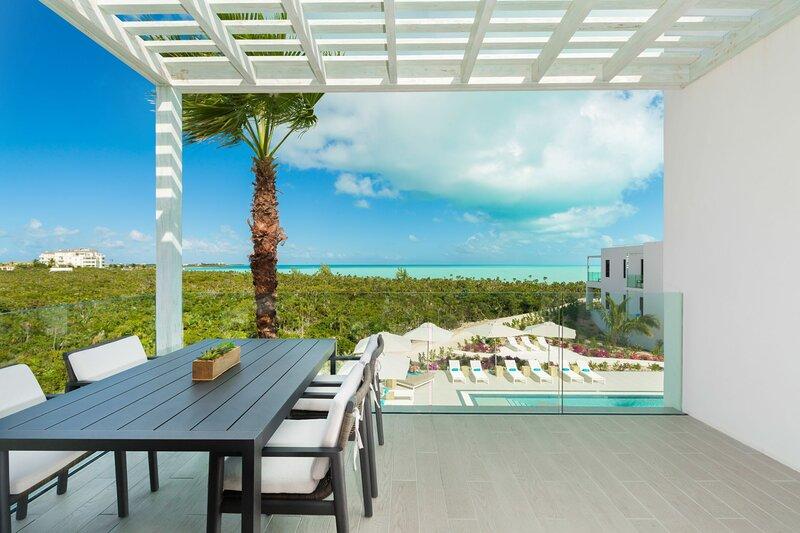 H2O LifeStyle Resort | 2BR w/Breathtaking Oceanviews *Long Bay!, location de vacances à Five Cays Settlement