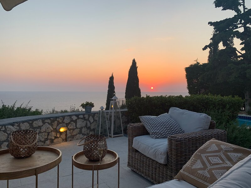 Villa Thimari - Stunning Private Luxury Villa with Magnificent Views and extras!, casa vacanza a Assos
