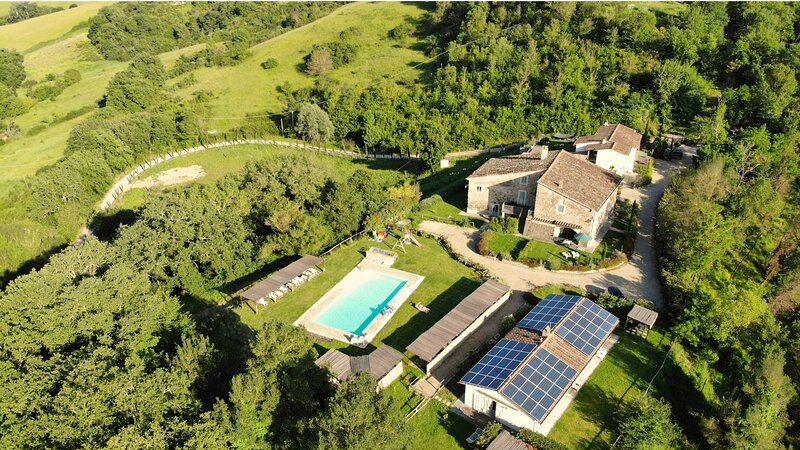 Farmhouse Antiche Dimore di Poggianto in Tuscany - Entire Property for Groups, vakantiewoning in Pergine Valdarno