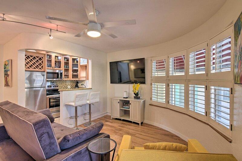 NEW! Home ~ 1 Block to Hollywood Beach Boardwalk!, holiday rental in Dania Beach