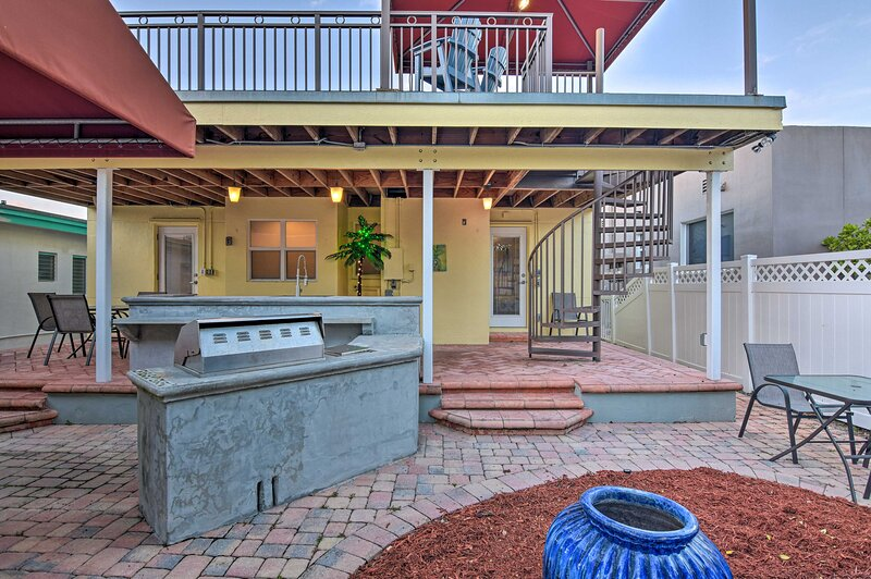 NEW! Conveniently Located Duplex Home in Hollywood, holiday rental in Dania Beach