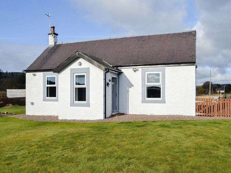 Broomlands Cottage, holiday rental in Beattock