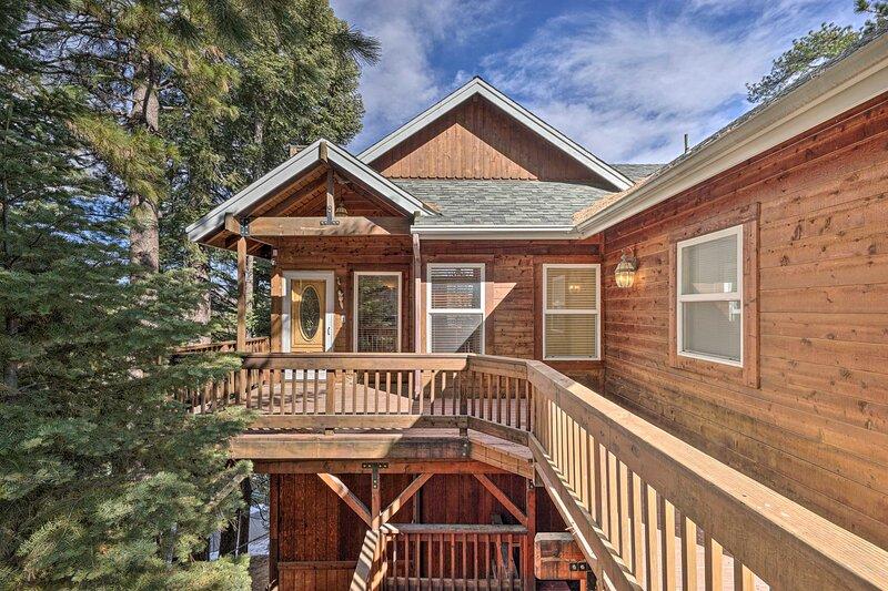 NEW! 'Bear's Den' Cabin Retreat in Lake Arrowhead!, holiday rental in Victorville