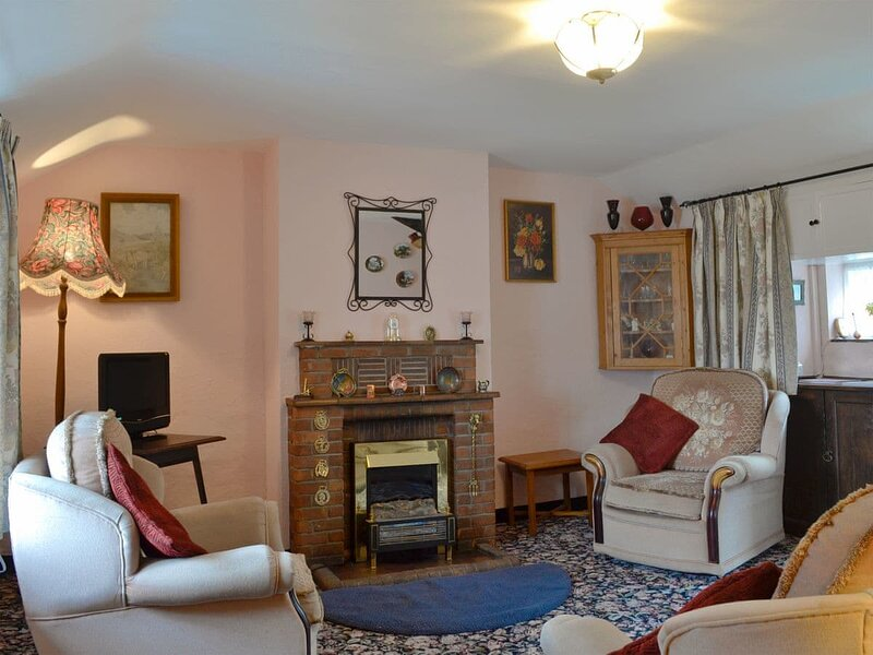 Church Cottage, holiday rental in Rowen