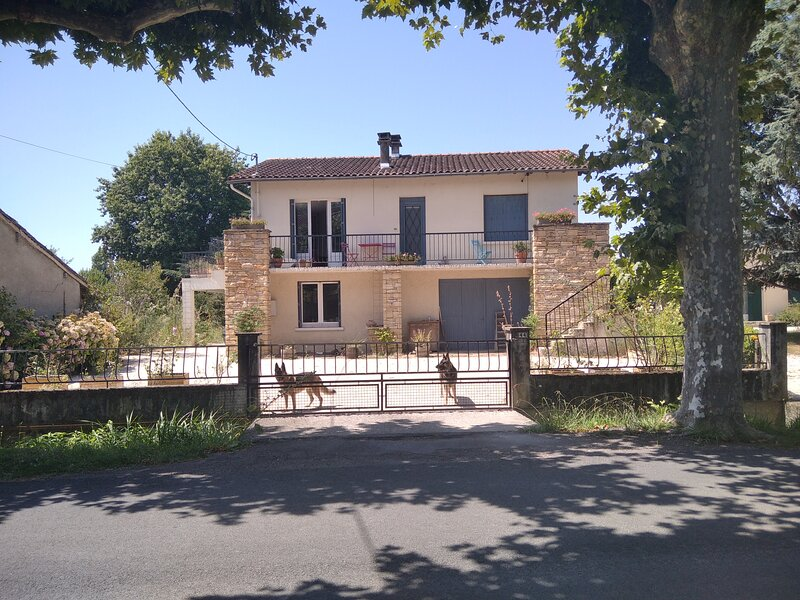 South France Village 4-Bed House L'Isle-en-Dodon, location de vacances à Haute-Garonne