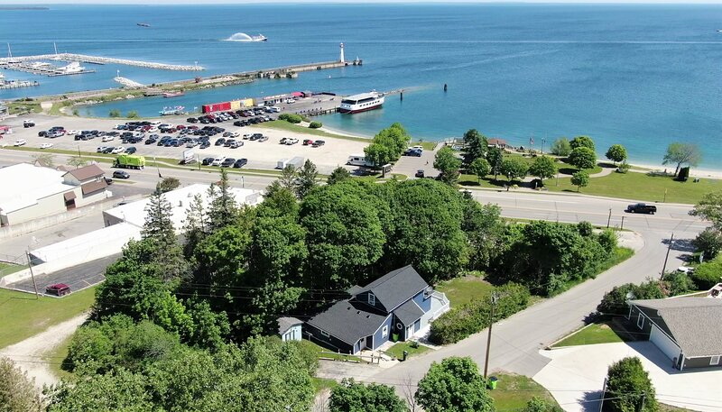 The Blue Bliss, holiday rental in Saint Ignace