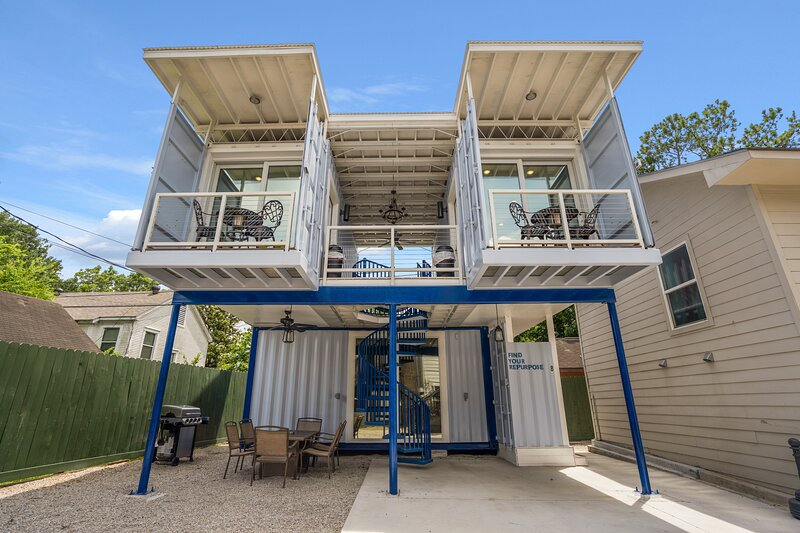 East Downtown Micro-Luxe Container Living Pod #9, vacation rental in Highlands