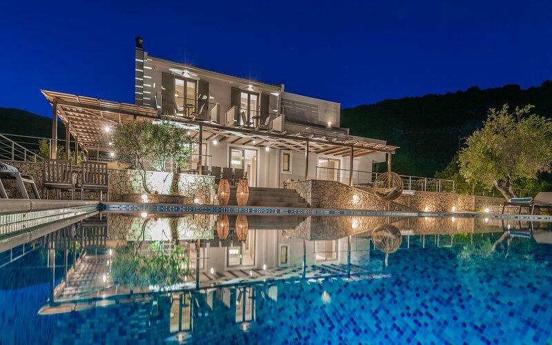 Zante Koutami Villa - Infinity Seascape Retreat, aluguéis de temporada em Skinaria