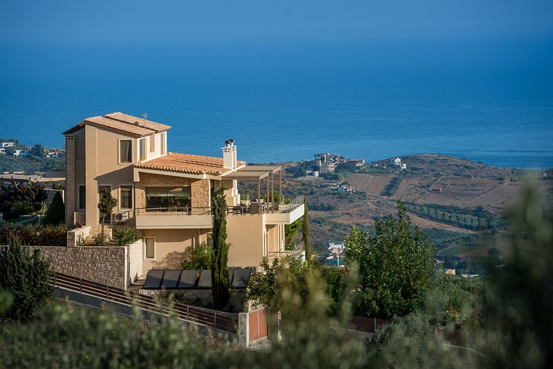 Lygaria Villa Sleeps 11 with Pool and Air Con - 5882776, holiday rental in Fodele