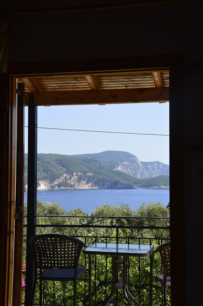 ULISSE STUDIO ROOM 2 PALEOKASTRITSA, vacation rental in Paleokastritsa