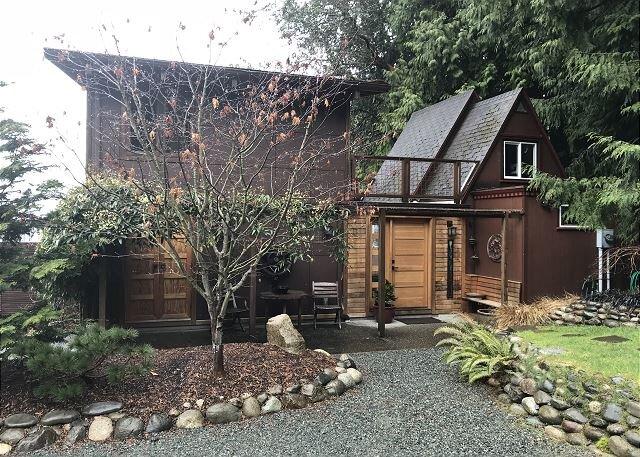 2 bedroom, 1 bath cottage overlooking Saratoga Passage (285), location de vacances à Langley