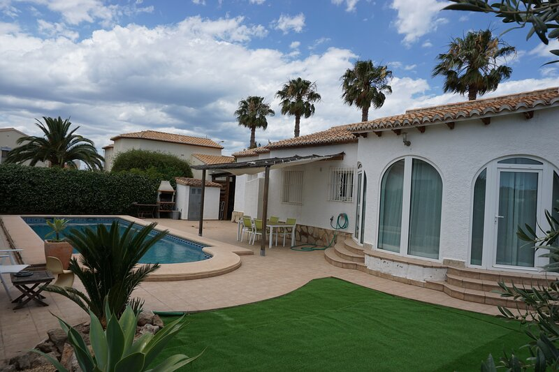 Villa MIGUEL en Els Poblets., holiday rental in Els Poblets