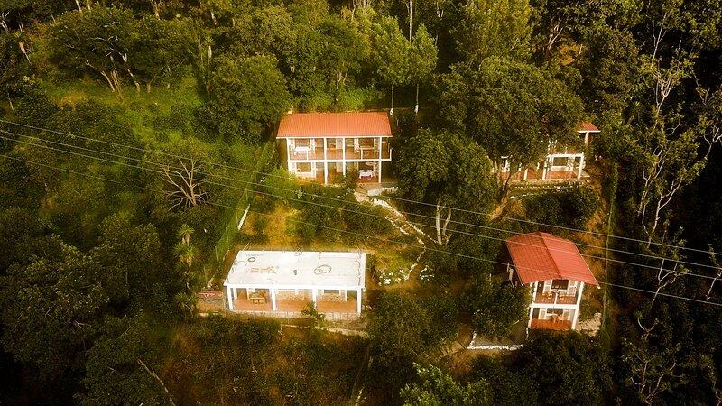 Rancho Fortaleza Atitlán alojamiento completo, holiday rental in Western Highlands