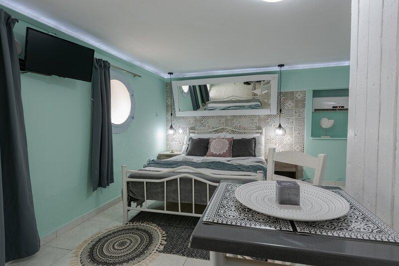 STUDIO DELUXE!, holiday rental in Argostolion