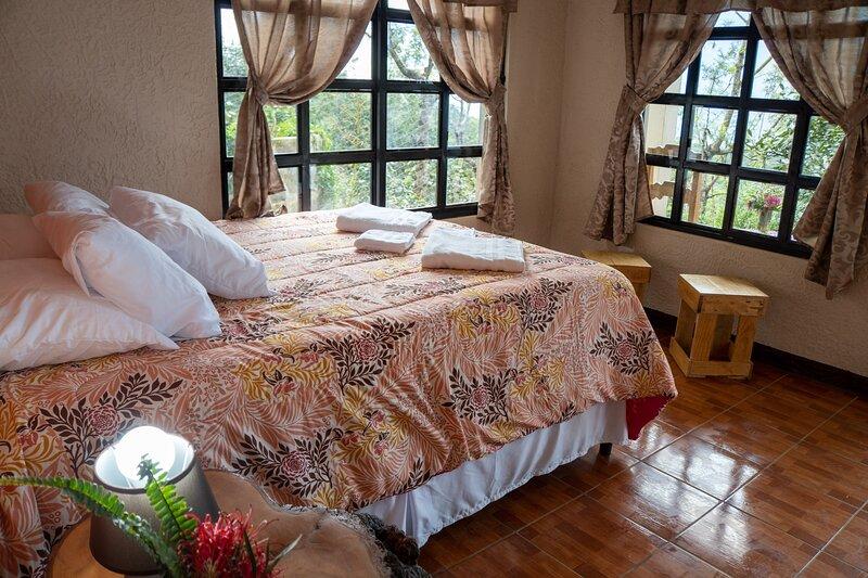 Comfort  Santiaguito, holiday rental in San Antonio Palopo
