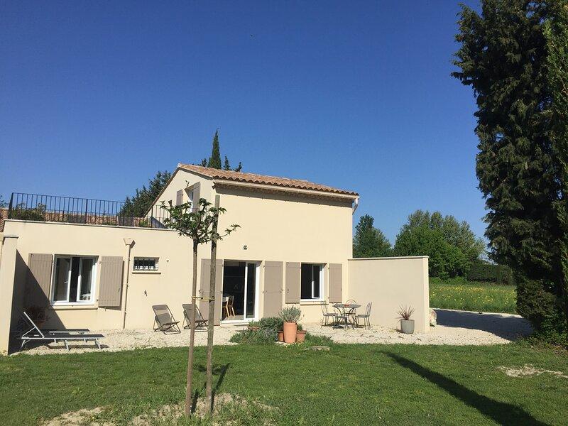 GITE A LA CAMPAGNE CHAMBRES AVEC LEUR SALLE D'EAU, holiday rental in Avignon