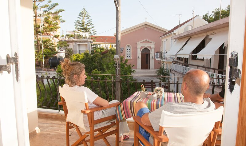 Ideal 3 bed Flat for Families & Group of friends!, holiday rental in Kounopetra