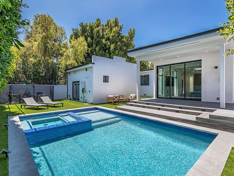 Modern dream 5 bed/4.5 ba Heated pool, Spa & Grill, vacation rental in Culver City