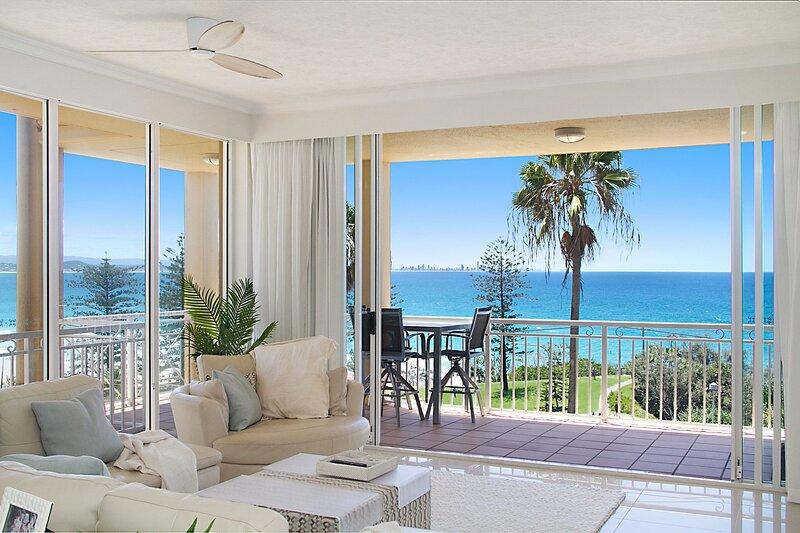 Orion 6 - Beachfront Rainbow Bay - All Linen Supplied, vacation rental in Coolangatta