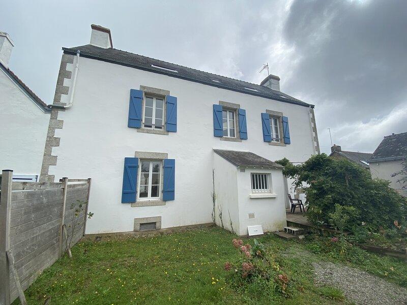 REF 445 HENNEBONT Maison de famille et de caractère, vacation rental in Hennebont
